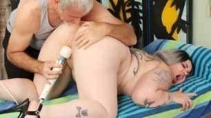 Full Figured Nova Jade Lets a Masseur Play with Her Hot Body